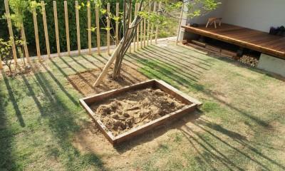 橿原の住宅 (庭 / 砂場)
