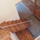 橋本の住宅 / 土間と縁側の写真 階段 / 土間