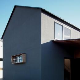 橋本の住宅 / 土間と縁側 (外観)