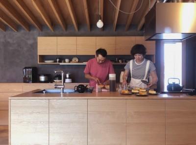 キッチン (橋本の住宅 / 土間と縁側)
