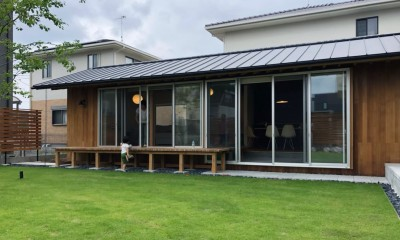 庭 / 外観|橋本の住宅 / 土間と縁側