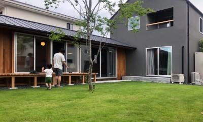 橋本の住宅 / 土間と縁側 (庭 / 外観)