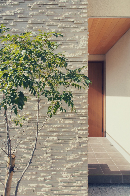 大津の住宅 (外観 / 玄関ポーチ)