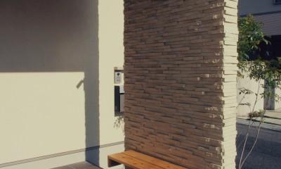 外観 / 玄関ポーチ / ベンチ|大津の住宅
