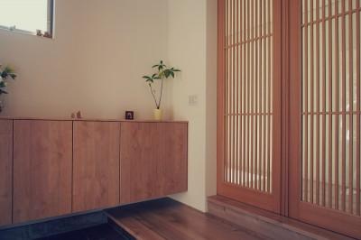 玄関 (大津の住宅)