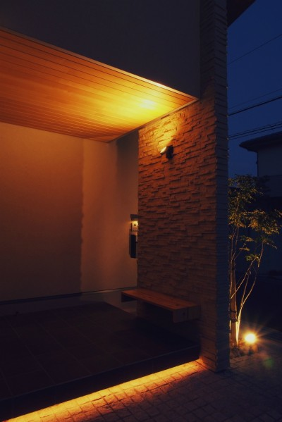 外観 / 玄関ポーチ / ベンチ (大津の住宅)