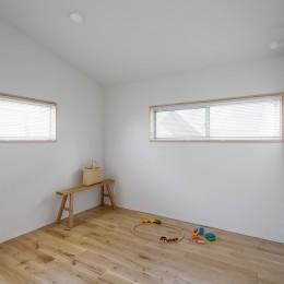 都心の住宅密集地にたつ二世帯住宅 (子供部屋)