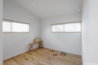 子供部屋 (都心の住宅密集地にたつ二世帯住宅)