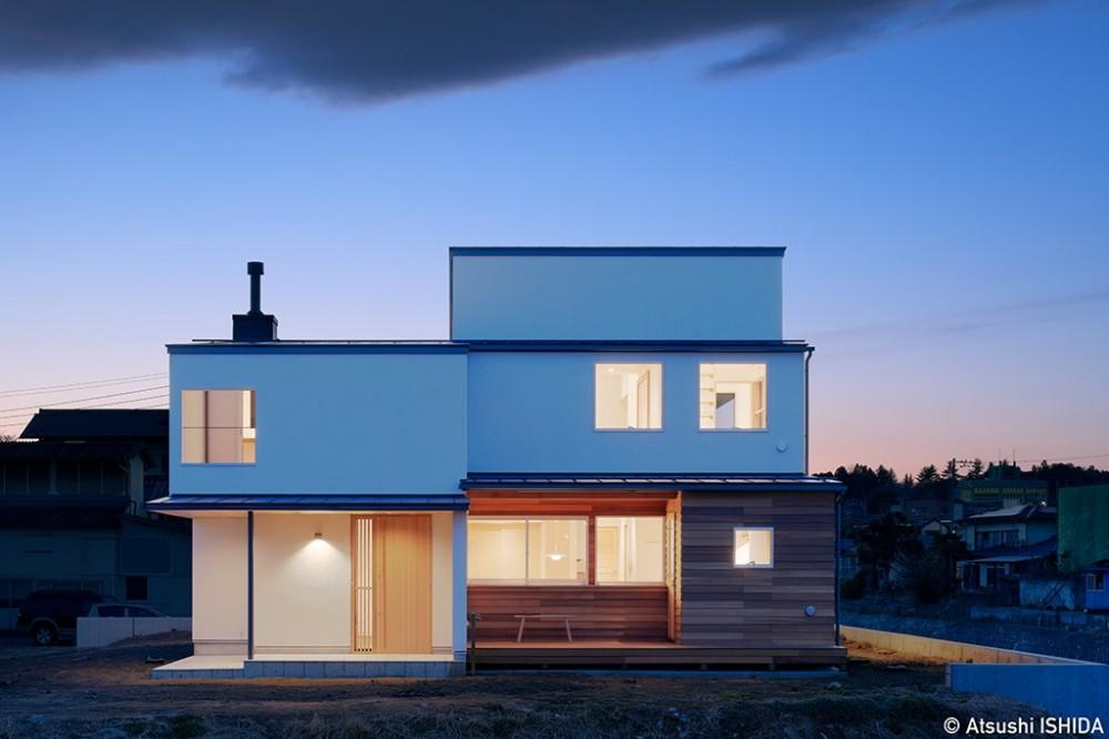 外観 (6つのテラスとつながる開放的な家)