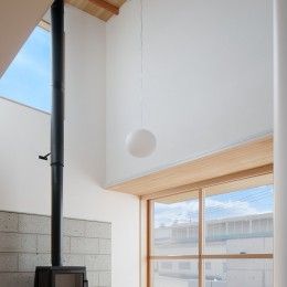 6つのテラスとつながる開放的な家