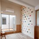 6つのテラスとつながる開放的な家の写真 子供部屋
