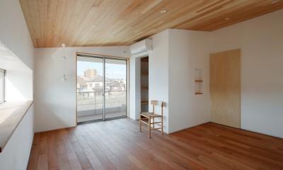 6つのテラスとつながる開放的な家 (寝室)