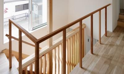 光と風と視線が通りぬける家 (階段)
