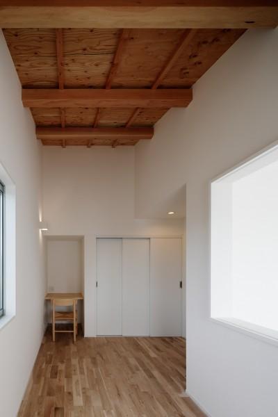 子供部屋 (光と風と視線が通りぬける家)