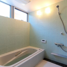 国分中央の住宅 (浴室)