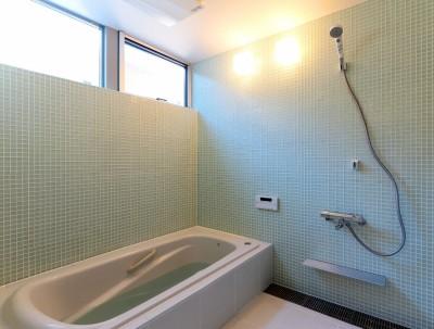 浴室 (国分中央の住宅)