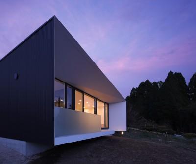 外観夜景2 (霧島の住宅)