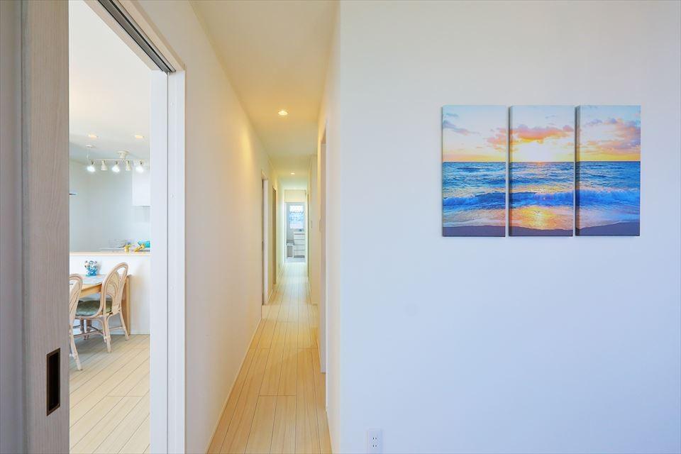 Ocean front House(オーシャン フロント ハウス)海を見て暮らす家 (廊下)