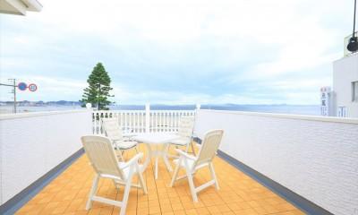 Ocean front House(オーシャン フロント ハウス)海を見て暮らす家 (海を見渡す大型バルコニー)