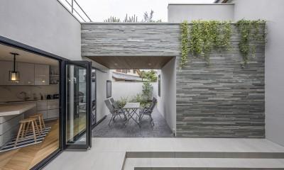 中庭・テラス|材木座の中庭がある家