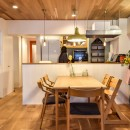 木張りで やさしい空間にの写真 ダイニングキッチン