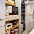 木張りで やさしい空間にの写真 キッチン・パントリー