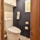 木張りで やさしい空間にの写真 トイレ