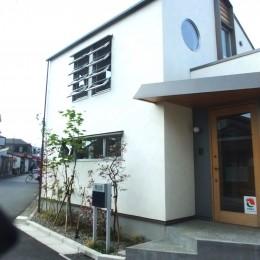 ちいさな木のオフィス 〜 カフェのような店舗併用住宅 〜 (外観)
