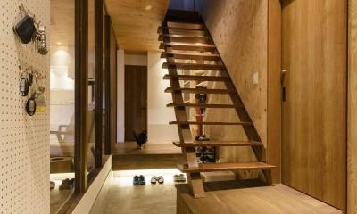 土間ギャラリーの家 (玄関)