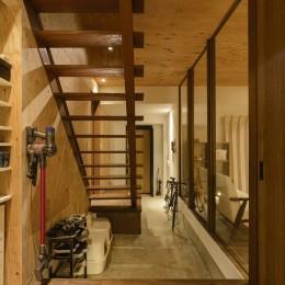 土間ギャラリーの家 (土間玄関)