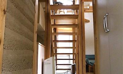 リビング階段|ちいさな木のオフィス 〜 カフェのような店舗併用住宅 〜