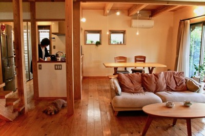 リビングダイニングキッチン (さくら 〜薪ストーブのある木の家〜)