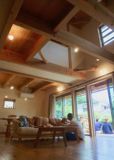 さくら 〜薪ストーブのある木の家〜 (リビングダイニング+吹抜+ウッドデッキ)