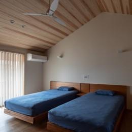 鳳の家 (主寝室)
