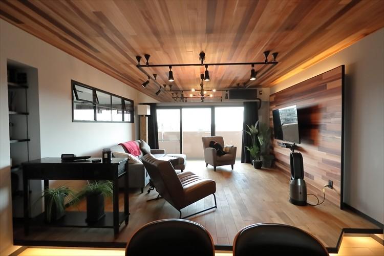 TOKYO Residence ー「ホテルライクな新築風」をあえて、リノベで叶える贅沢ー (リビング)