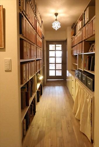 Elegant Vintage ー好きなものに囲まれ、機嫌がよくなる家ー (廊下+資料室)