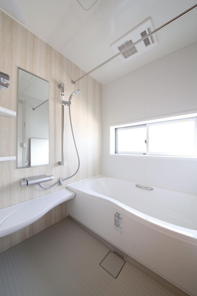 浴室 (赤の家・RED HOUSE)
