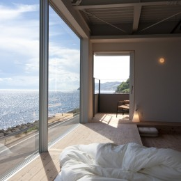 private villa nook (リビングから海をみる)