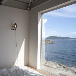 private villa nook (ベッドサイドから海をみる)