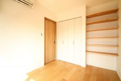 ベッドルーム (ホワイトクロス×オークフローリングでナチュラル空間に。)