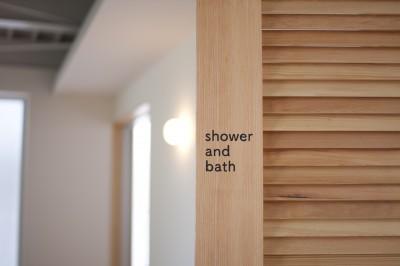 シャワールームのドア (private villa nook)