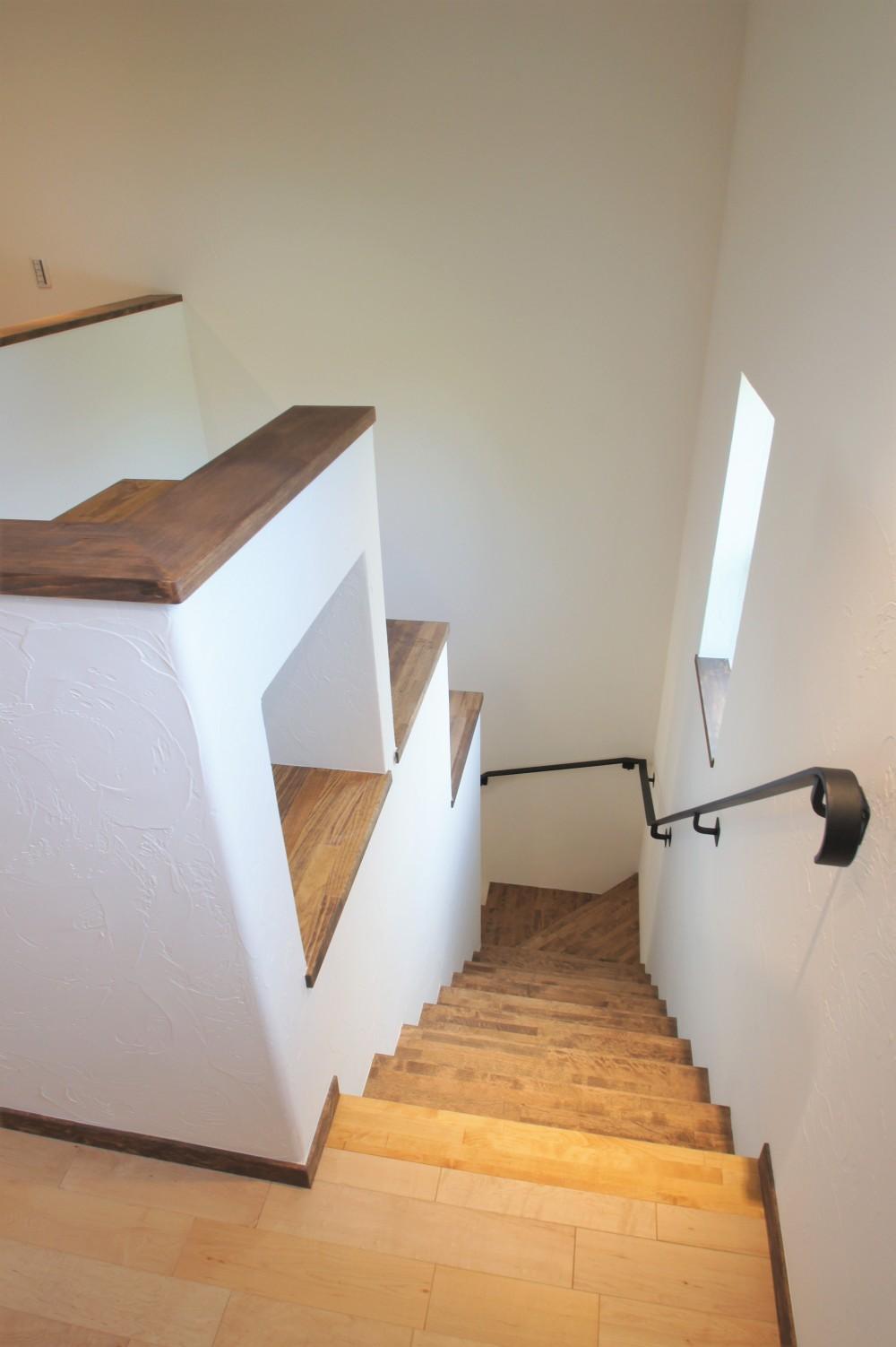 大きなテラスのある~理想の家~ (階段)