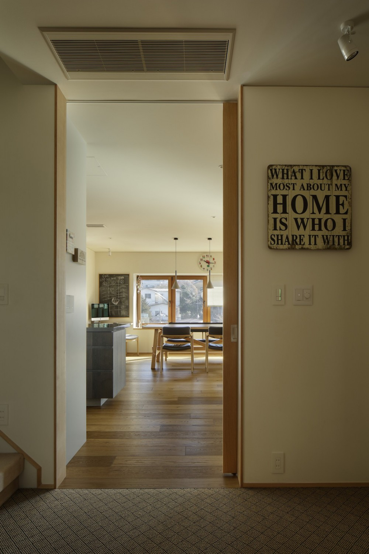 House-H Renovation / 築40年木造住宅のリノベーション (玄関ホール)