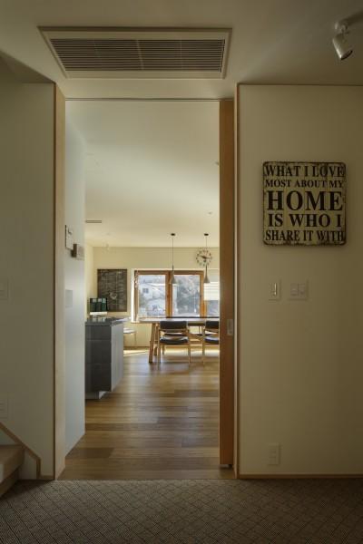 玄関ホール (House-H Renovation / 築40年木造住宅のリノベーション)