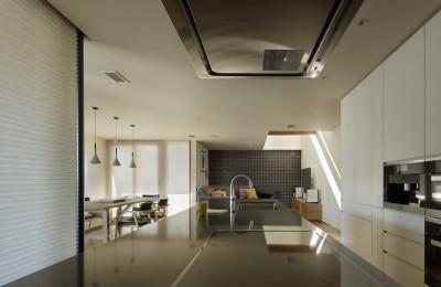 キッチン (House-H Renovation / 築40年木造住宅のリノベーション)