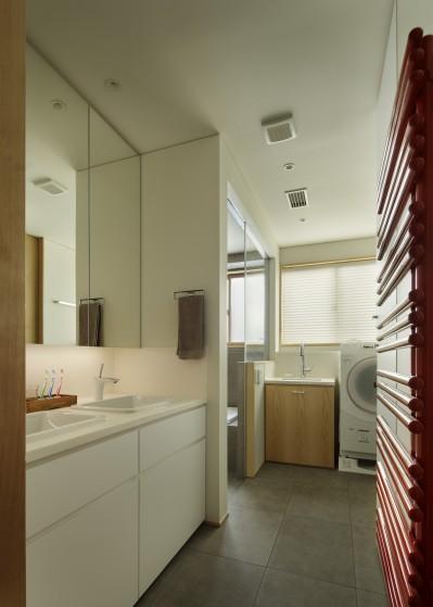 洗面所 (House-H Renovation / 築40年木造住宅のリノベーション)