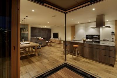 LDK (House-H Renovation / 築40年木造住宅のリノベーション)