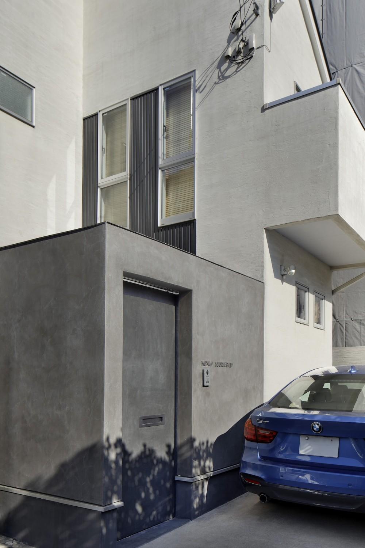 中野のSOHO / ツーバーフォー住宅のリノベーション (門扉)