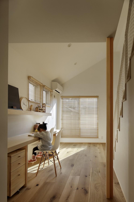 中野のSOHO / ツーバーフォー住宅のリノベーション (子供部屋)