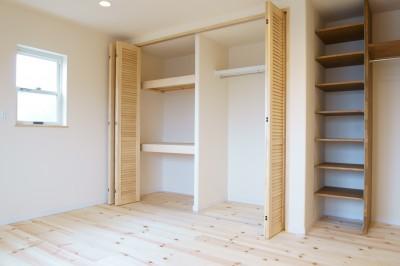 ベッドルーム (天然木の無垢材でこだわりのリフォーム~かわいい家~)